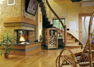 Kako obojiti drveno stepenište u kući, tehnologiju farbe