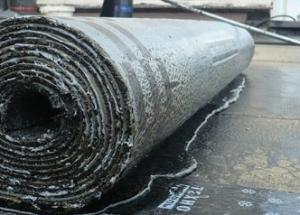 Рулонная гидроизоляция: выбор материала и особенности применения, полезные советы