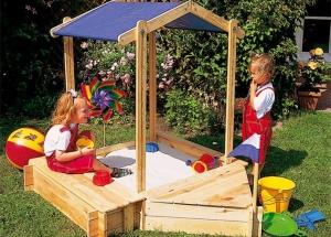 Делаем детскую площадку на приусадебном участке своими руками