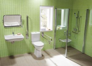 Сантехника для инвалидов, как оборудовать ванную и туалет для инвалида