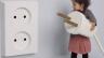 Kako instalirati električne utičnice: visina instalacije, dozna na modulu, veza prekidač, splice žice, pravila Stripping kabl, instaliranje utičnica na betonu i knauf.