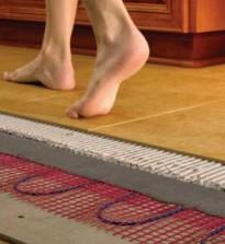 स्नान में फर्श को कैसे अपनाना है, उपयोगी टिप्स