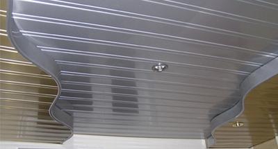 Технология монтажа реечных потолков