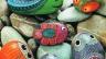 Камења во градината. Декорацијата на локалитетот со камења: цветни леи од камења, фотографии од прекрасни цветни леи, совети за украсување на место со камења
