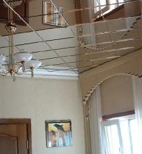 Veidrodinės lubos iš nuotraukos: veidrodinė lubos, lubos, armstrong, veidrodiniai plytelės, veidrodiniai skydai, plastikinės veidrodinės lubos, įtempimo veidrodiniai lubos. Dvigubos veidrodinės lubos.
