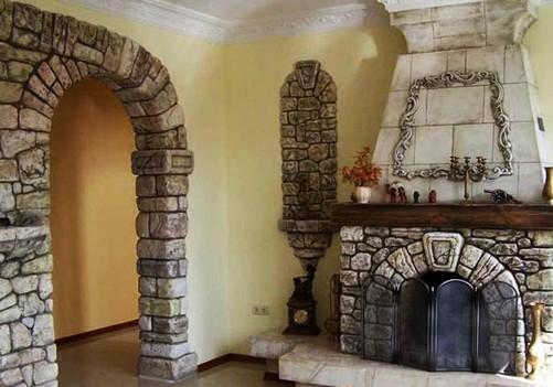 отделки-дверного-проема-декоративным-камнем-античный-стиль