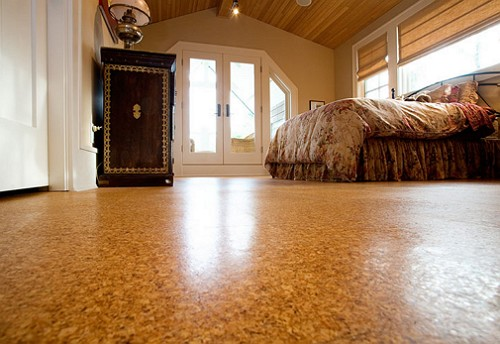 1382799453_universal-design-bedroom-cork-floors