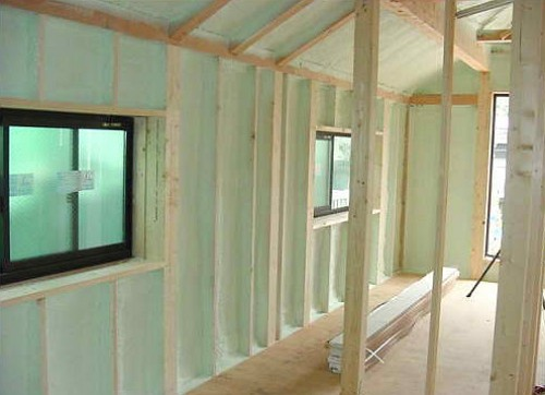 innendämmung des Holzhauses PPU (1)