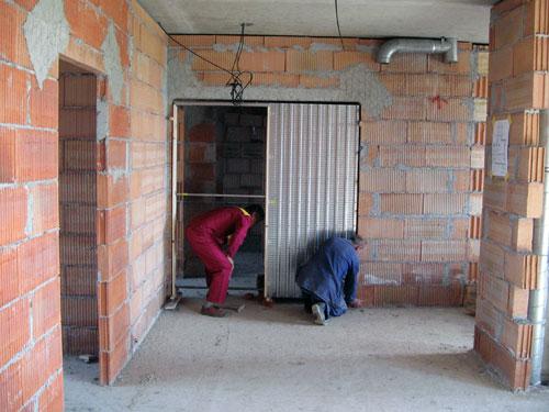 Дверь въезжающая в стену своими руками