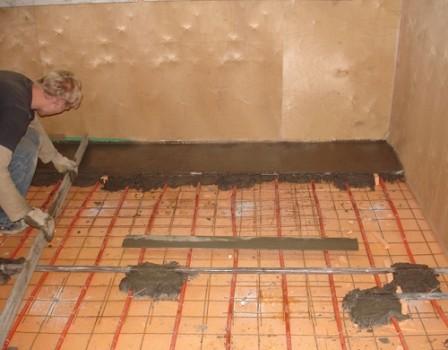 Izlijevanje poda