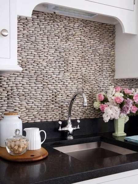 सजावटी पत्थर के साथ रसोई सजावट - आपके घर में आंतरिक युग के मध्य युग का वातावरण