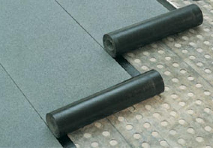 Kako bolje pokriti krov garaže i kako, kakav materijal: gradnja, opcije, gradnja