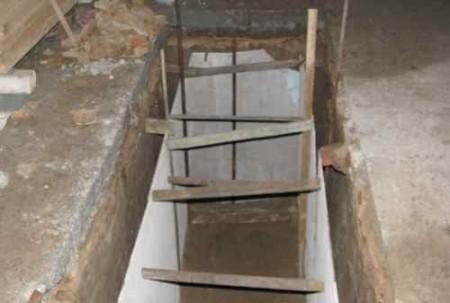 Ulijevanje inspekcijske jame.