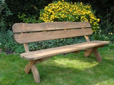 дрвена клупа