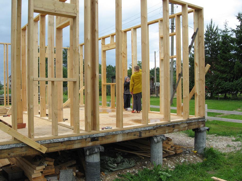 Строительство каркасного дома своими руками с фото