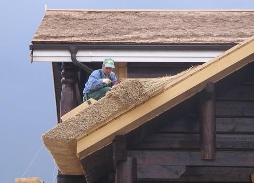 Как сделать крышу с камыша