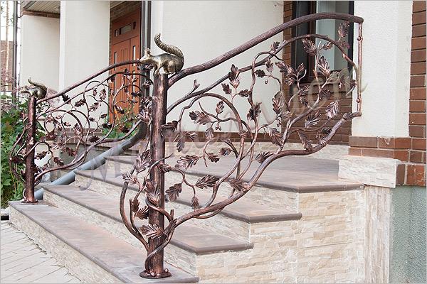 Перила для лестницы из металла в доме своими руками