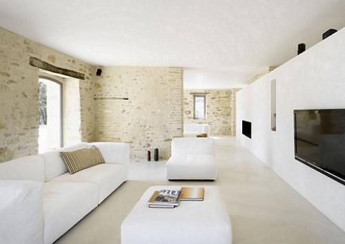 Rumah-Renovasi-Treia-Italia-Ruang Tamu-Lounge-Putih-Sofa
