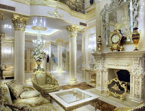 колонны-в-интерьере-золото