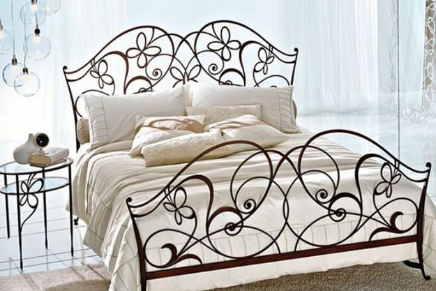 кованная-кровать