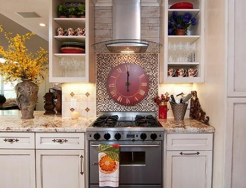 Laikrodis-in-the-interjero virtuvė