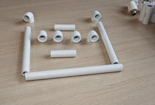 samodelki-iz-plastikovyh-trub