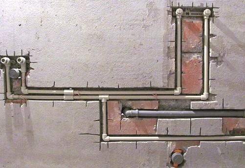 Installation von Polypropylen-Pipes-in-Strobes