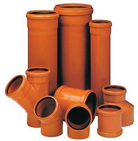 kanalizatsionny-e-plastikovy-e-fitingi-i-truby-